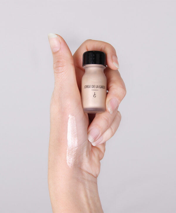 iluminador liquido Jorge de la Garza maquillaje rostro social profesional comprar bilbao